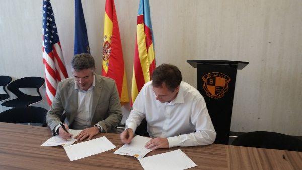 Firma convenido Colegio Mayor Valencia